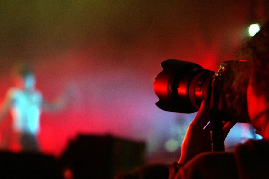 Beginner's Guide To Concert Photography